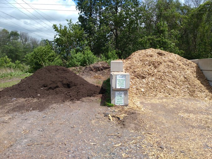 mulch and compost pile at Optimist Park