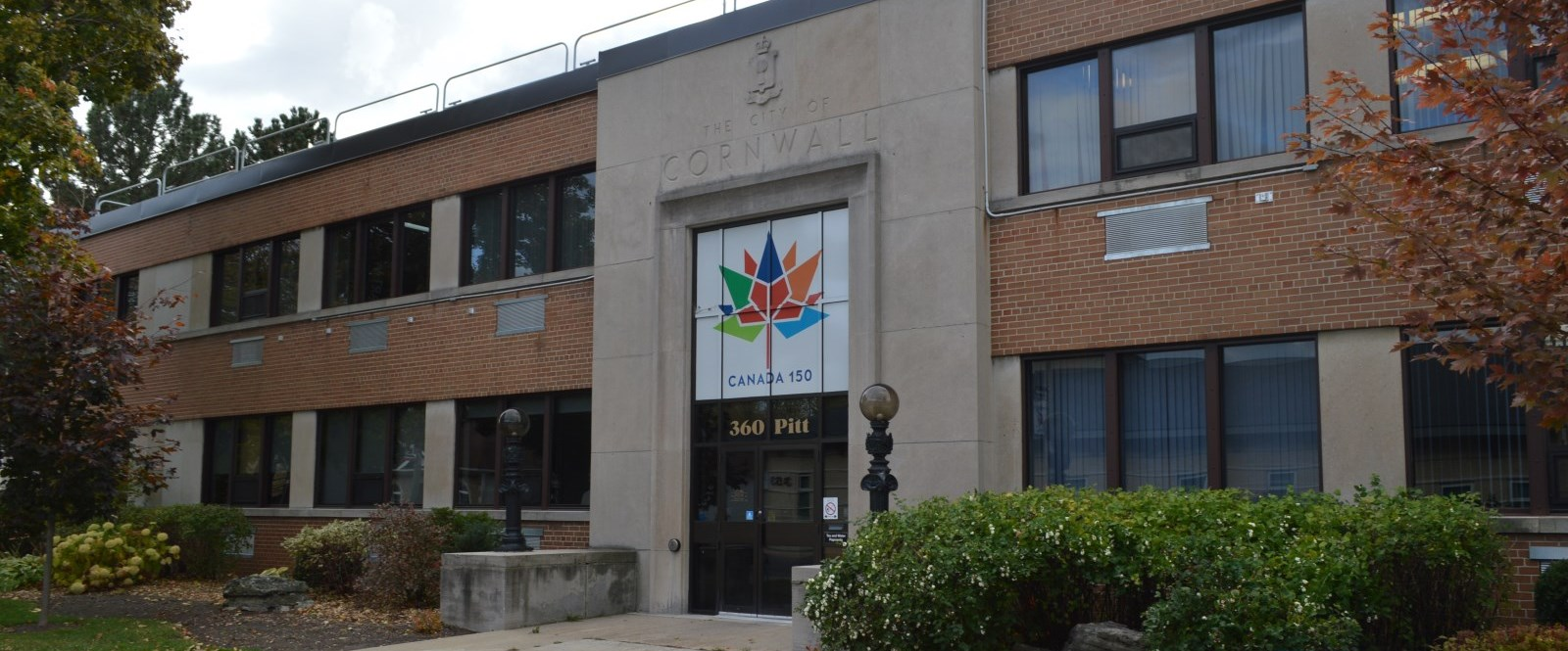 cornwall City Hall with Canada150 logo on front