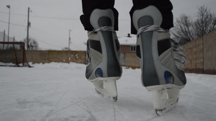 skates on outdoor rinks