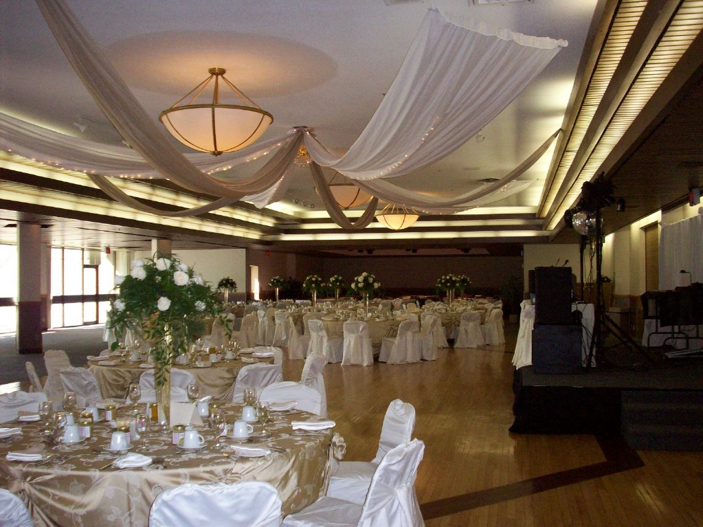 White wedding decor in Salon B